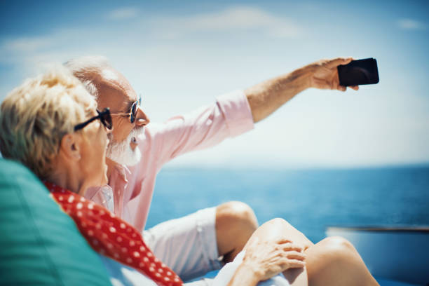 altın anılar. - gemi seyahatı stok fotoğraflar ve resimler
