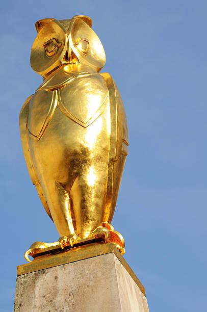 Golden owl picture id186258566?b=1&k=6&m=186258566&s=612x612&w=0&h=cmtuawisscu8jzuyrcliedt8hxz njsq5whw3slp us=