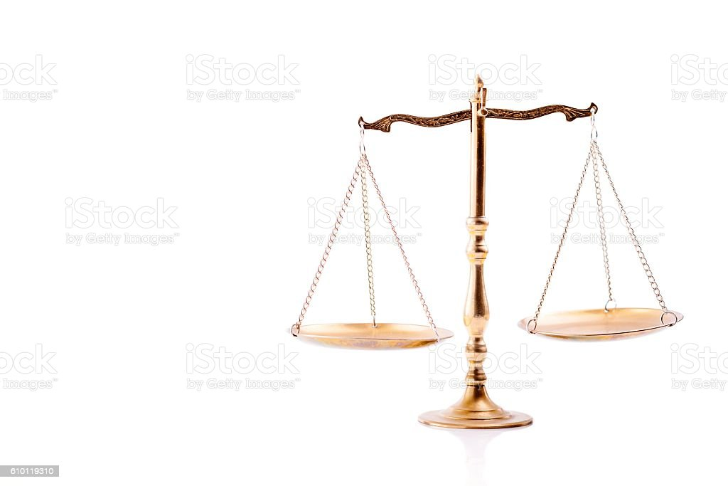 Golden scales of justice. - foto de stock