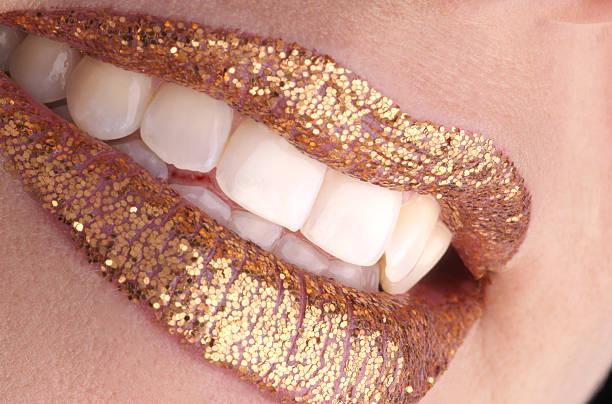 golden sorriso - foto de acervo