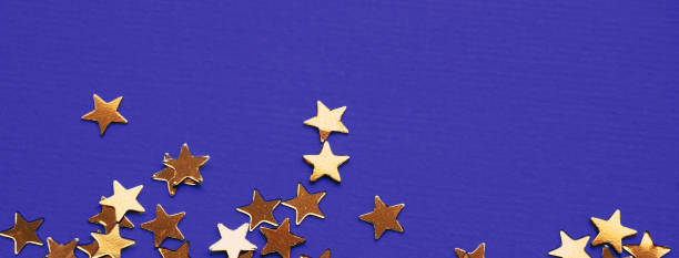 Golden stars glitter on violet background picture id1192464910?b=1&k=6&m=1192464910&s=612x612&w=0&h=2qk zty6g9ix1qprr il2qnvxvklpnoo9hma44c4rli=