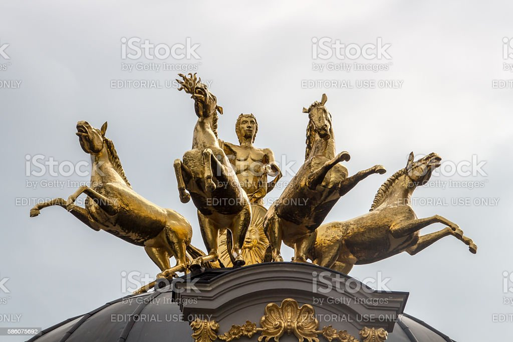 Golden statue at Eremitage, Old Palace in Bayreuth, Germany, 201 – Foto