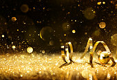 ゴールデン streamers に輝くグリッター