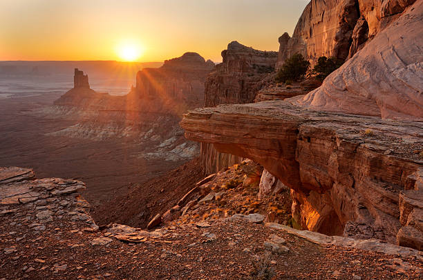 Golden sunset view en de Canyonlands, Utah, EE.UU. - foto de stock