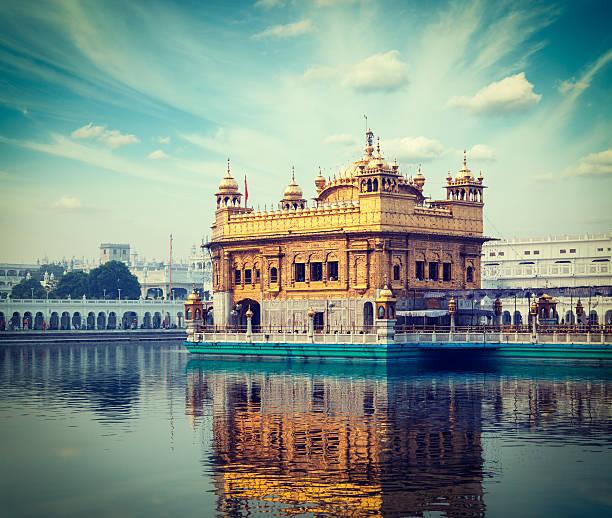 goldener tempel, amritsar - goldener tempel stock-fotos und bilder