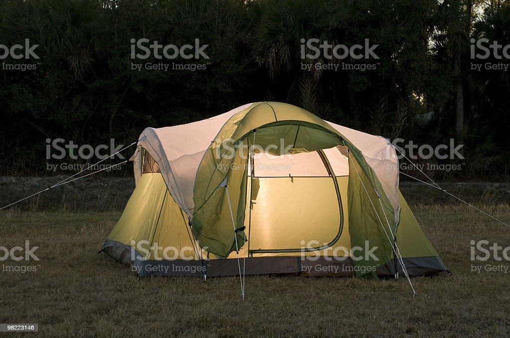 Golden tenda in campeggio foto stock royalty-free