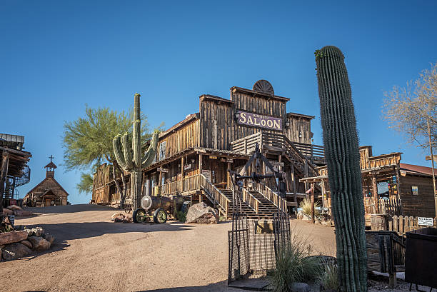 goldfield ghost town in arizona - город призрак стоковые фото и изображения