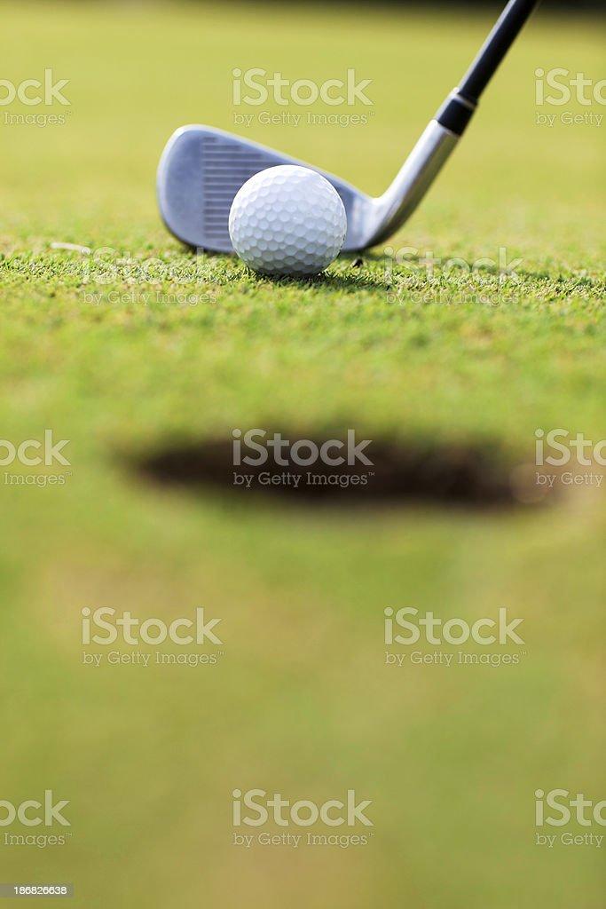 Golf Ball Und Schläger Auf Dem Spielfeld Stock-Fotografie und mehr ...