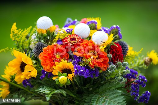 825397576 istock photo golf balls with flowers for birthday, card, voucher 816276454