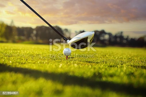istock Golf club and ball in grass 522894801
