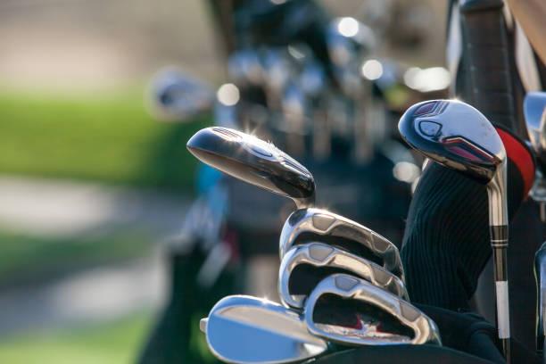 golf club köpfe. - schiebermütze stock-fotos und bilder