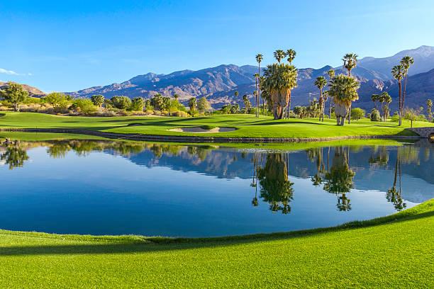 pole golfowe w palm springs, california (p - staw woda stojąca zdjęcia i obrazy z banku zdjęć
