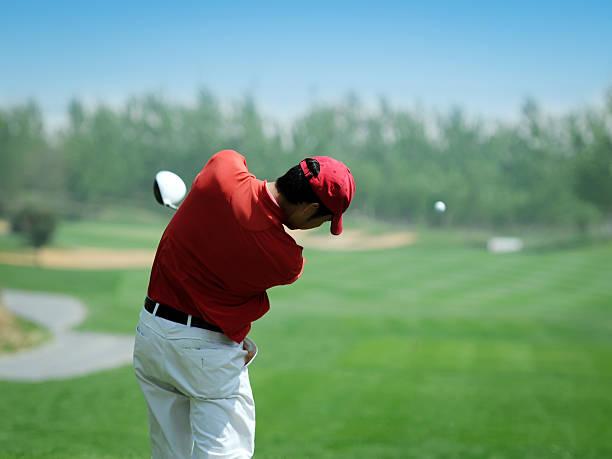 ゴルフ選手強力なプレー-xl - ゴルフ ストックフォトと画像