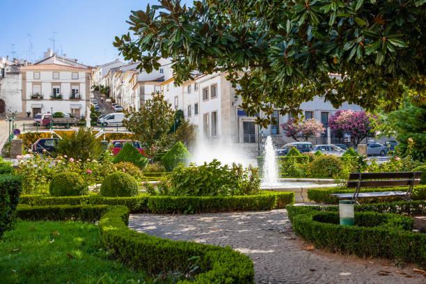 goncalo eanes de abreu garden in castelo de vide - portalegre imagens e fotografias de stock
