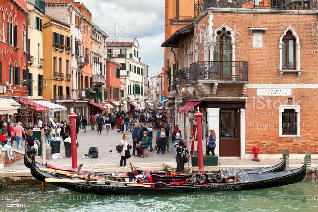 Gondola moored on Cannaregio Canal in Venice - Royalty-free Architecture Stock Photo