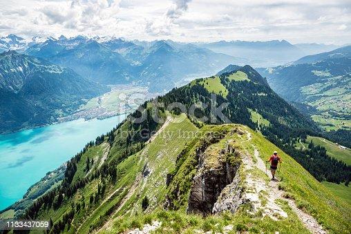Gratwanderung zwischen Augstmatthorn und Harder bei Interlaken, Berner Oberland, Schweiz