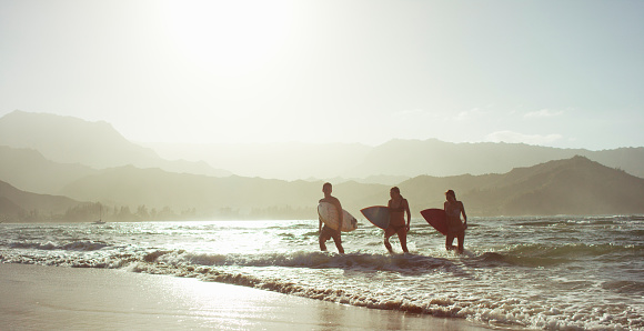 istock Good Day of Surfing 467132628