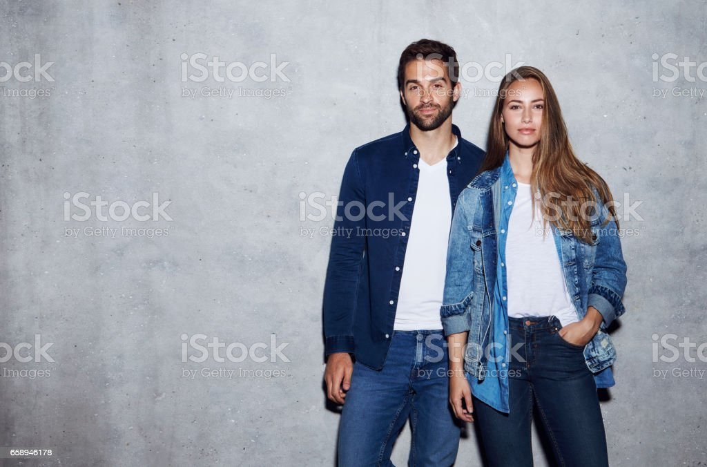 Buen duo mira - foto de stock