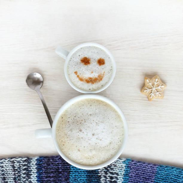 gute laune für winter-kaffeepause - weihnachtsessen ideen stock-fotos und bilder