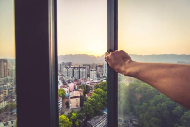 Guten Morgen, offenes Fenster – Foto
