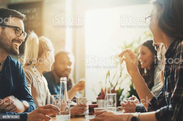 Gute Zeiten In Einem Restaurant Stockfoto und mehr Bilder von Angesicht zu Angesicht