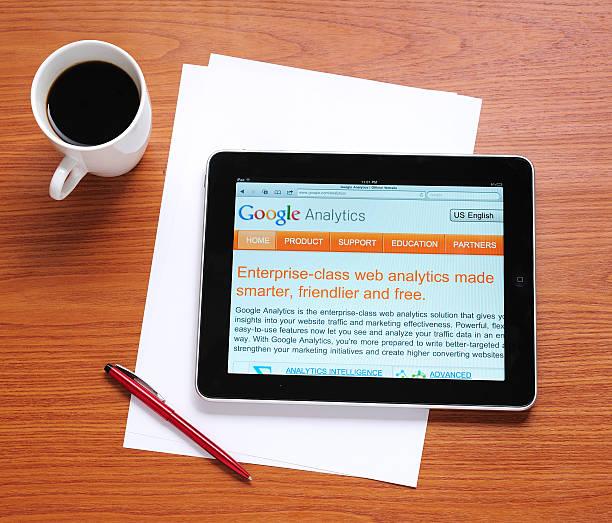 google analytics auf dem ipad - www kaffee oder tee stock-fotos und bilder