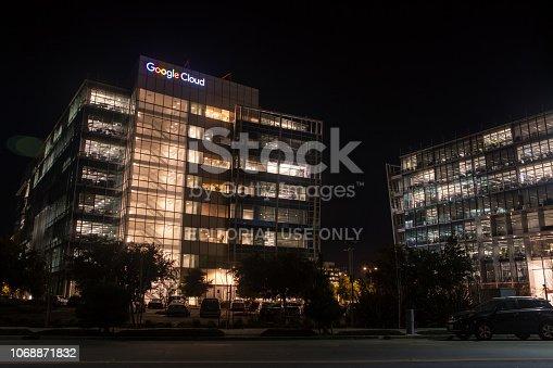 istock Google Cloud Office 1068871832