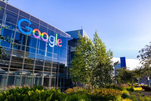 google office building in the company's campus in silicon valley - google стоковые фото и изображения
