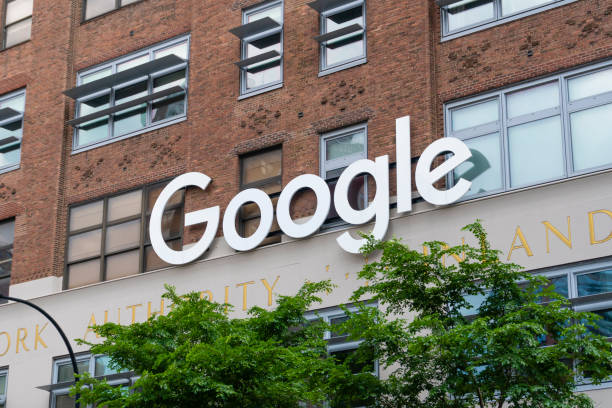 Google sign outside the Google office in New York City New York, New York. - May 27, 2017: Google sign outside the Google office in New York City. It is a multinational technology company specializing in internet services and products. google stock pictures, royalty-free photos & images