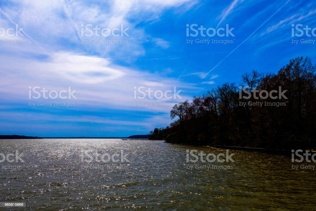 Gorgeous blue sky over the Potomac river. - Royalty-free Backgrounds Stock Photo