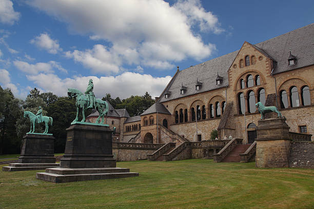 Goslar - Imperial palace Goslar - Imperial palace (Kaiserpfalz) - statues of Wilhem der Große and Friedrich I Barbarossa lower saxony stock pictures, royalty-free photos & images