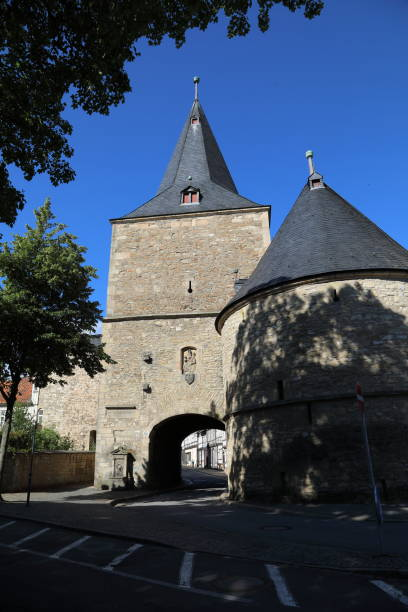 Goslar - Wide Gate the Broad Gate Goslar - Breites Tor the Broad Gate was part of the fortified defences of the medieval town of Goslar in Harz, Germany.  Goslar is a UNESCO World Heritage Site pejft stock pictures, royalty-free photos & images
