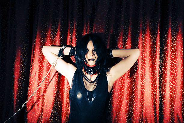 gothic - hippie kostüm damen stock-fotos und bilder