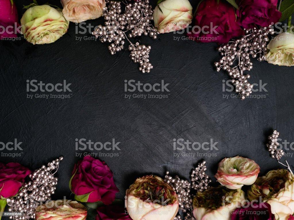 arrangement de roses Bordeaux fleurs mariage gothique - Photo