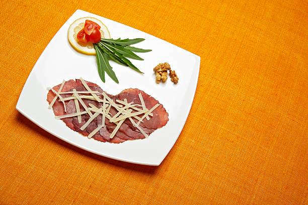 stuzzichini gourmet - bresaola foto e immagini stock