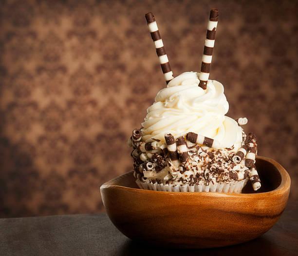 gourmet-cupcakes - paisley kuchen stock-fotos und bilder