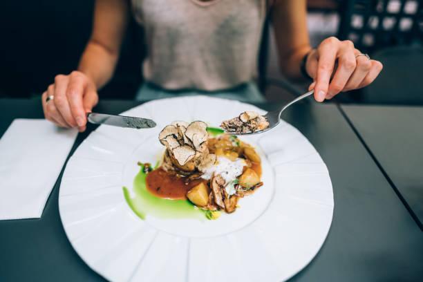 gourmetmat, middag i lyxrestaurang - bordsskick bildbanksfoton och bilder