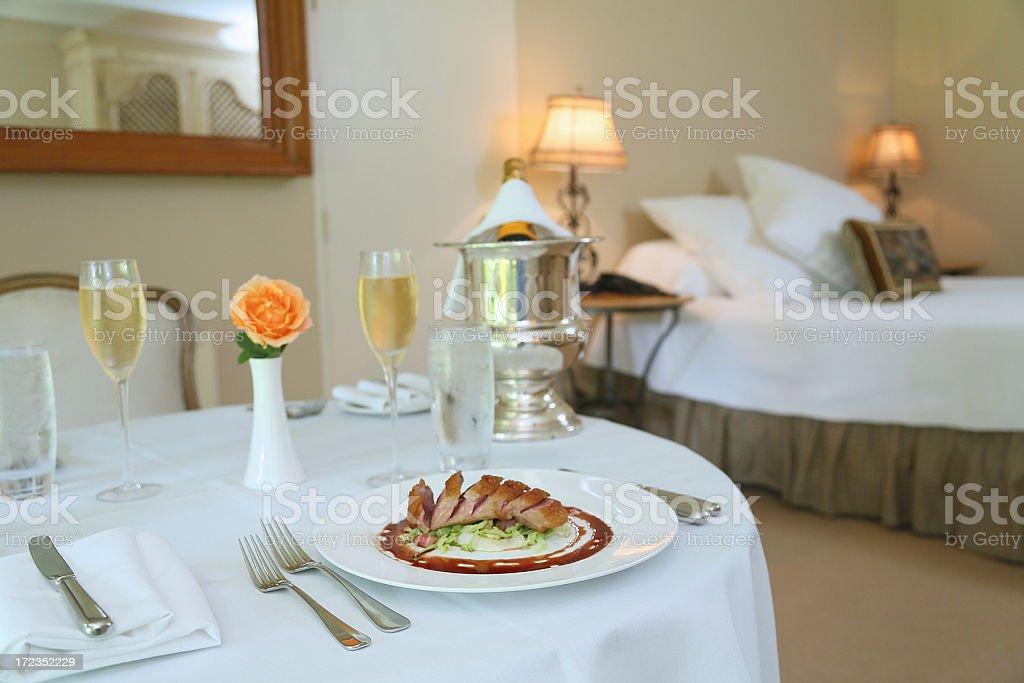 Comida Gourmet servicio a la habitación foto de stock libre de derechos