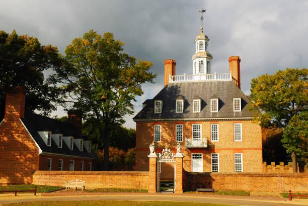 governor's palace - kolonial stock-fotos und bilder