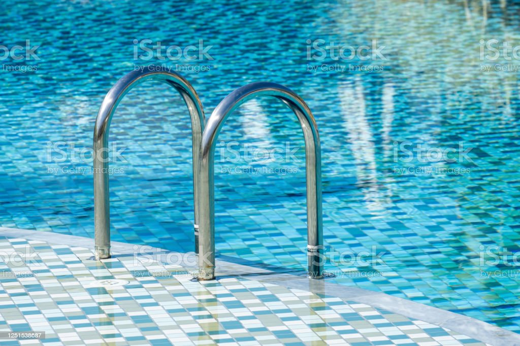 Cleaning Swimming Pool Handrails And Ladders — Home Design