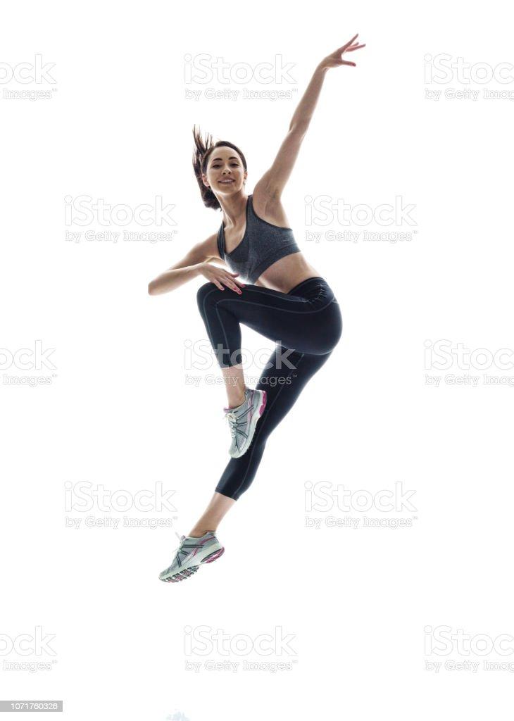 Anmutig schöne sportliche Frau in der Luft – Foto