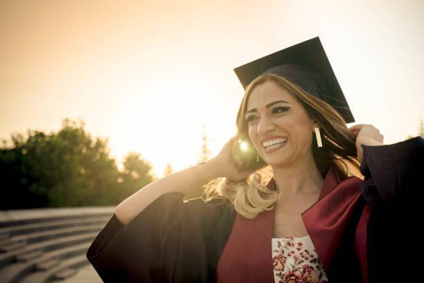 absolventen - vorschuldekorationen stock-fotos und bilder