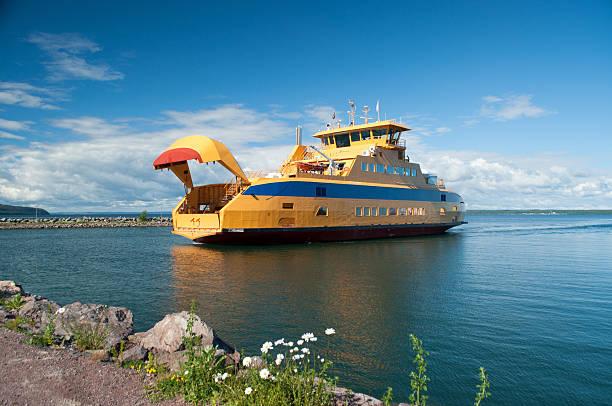 graenna, joenkoeping, sweden - ferry lake sweden bildbanksfoton och bilder
