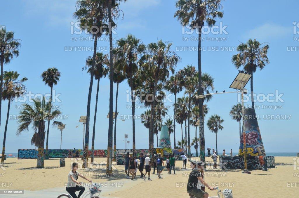 Arte do graffiti na praia de Santa Monica. 4 de julho de 2017. Arte de viajar férias. - foto de acervo