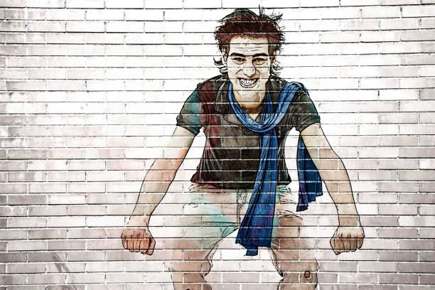 graffiti-mann auf einem motorrad zu fantasieren - spaß sprüche stock-fotos und bilder