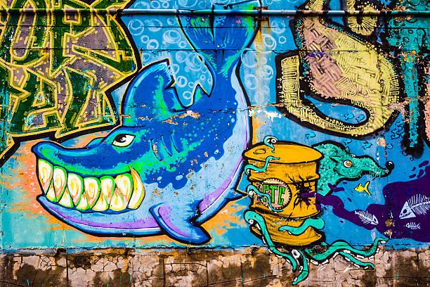 graffiti des hai - schlechte laune sprüche stock-fotos und bilder