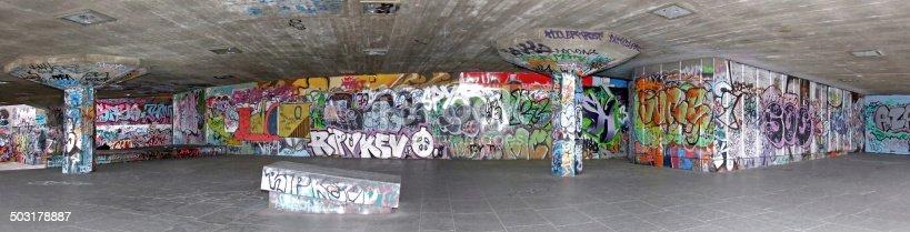 istock Graffiti panorama 503178887