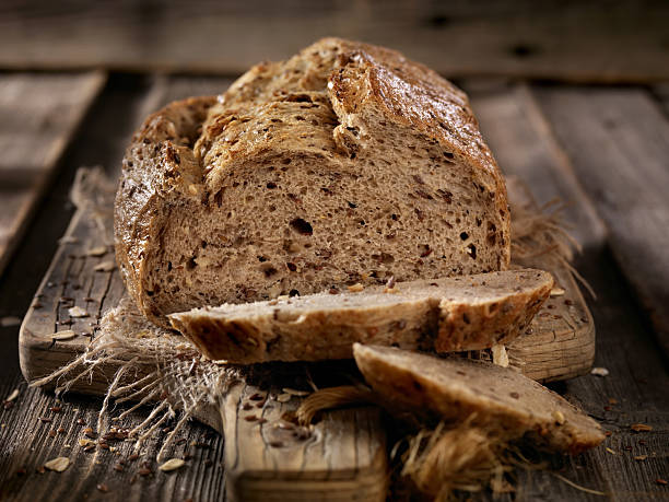 9 Grain Artisan Bread Loaf - foto de stock