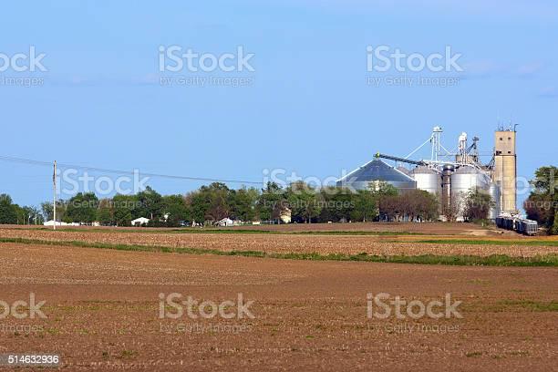 Элеватор для фермы элеватор с центральным замком та