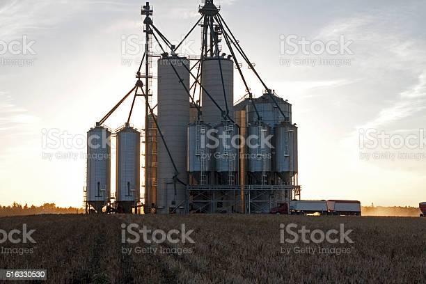 Элеватор для людей конвейер вертикальный ленточный